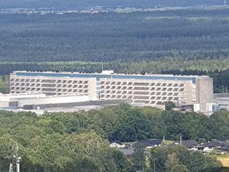 Skaraborgs Sjukhus i Skövde sett från Billingeberget.