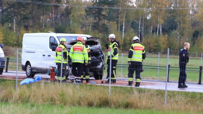 Räddningsperson vid vägolycka