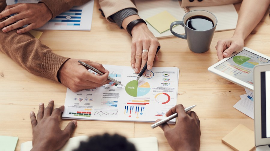 Företagare diskuterar kring rapport